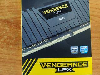 DDR3, DDR4 (4, 8, 16GB)