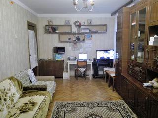 Уютная меблированая 2-комн. кв-ра 102 серии с автоном. отоплением при вьезде в Яловень. 22000 евро