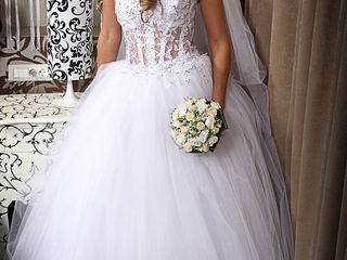 Свадебное платье,не венченое