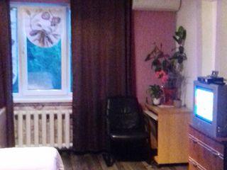 Vând sau schimb pe apartament cu 2 camere