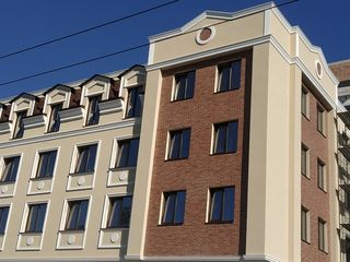 Centru! Bloc nou, apartament cu 2 odai, varianta alba, autonoma, et. 2/4!