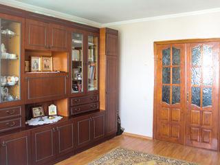 Apartament cu 3 odai in Telenesti