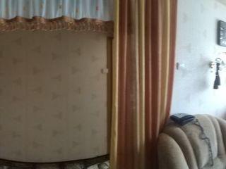 Продам 2-ух комнатную квартиру на 3 этаже, в центре города Глодень