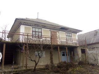 Se vinde casa cu teren in comuna Budesti