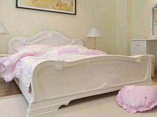 Vezi aici modele de paturi pentru dormitoare clasice/moderne!
