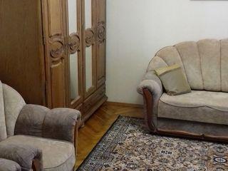 Apartament cu 2 odai in sectorul Ciocana str. Mircea cel Batrin pe termen lung. 250 euro lunar.