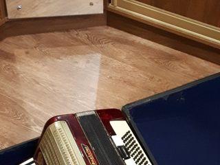 Weltmeister аккордеон =3340 лей (video real!) всё чётко работает. и бартер.