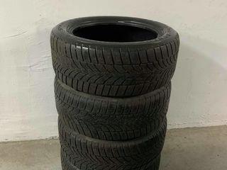 4 anvelope Dunlop R18 245/50 de iarna