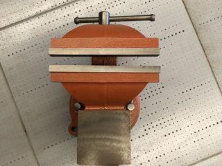 Тиски слесарные 200 mm Wokin