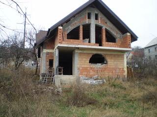De vânzare casă, 2 nivele, suprafața 130 mp, 6 ari
