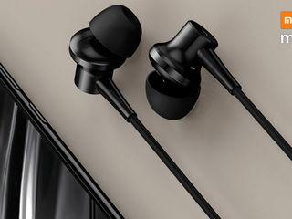 Muzica ta preferată sună în căştile Xiaomi Mi Noise Canceling! Şi sună foarte bine!