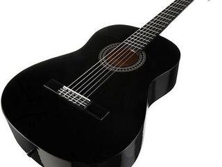 Гитара классическая 4/4. Chitară.