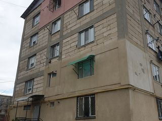 Spre vinzare apartament cu 2 odai, incalzire autonoma, 37 m.p.. Pret 18 900 €