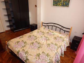 Apartament cu 4 camere , reparație euro, Centru 300€