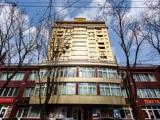 Vînzare oficu, strada Bucuresti, 105 m2!