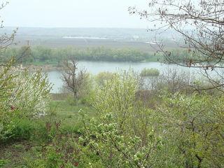 Cladire pe malul Nistrului 30 km de la Chisinau