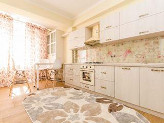 Chirie  Apartament cu 3 odăi, Centru,  str. Nicolae Testemițeanu, 600 €