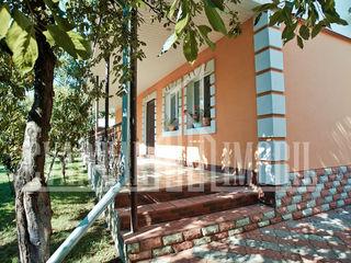Se vinde casa cu 1 nivel in stil modern, amplasata in or. Ialoveni, Centru.