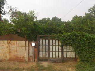 Старая почта земля 15 соток под строительство,все коммуникации 98000 евро