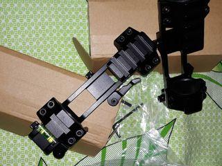 Крепление кронштейн для любой оптики!с защелками фиксации уровнем +креплениями для фонаря лазера итд