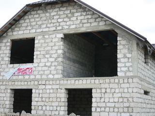 Casa nefinisata centru Telenesti