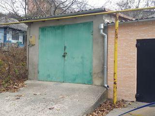 Se vinde  garaj 26м2 cu beci în centrul  or. Orhei