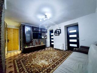 Vânzare apartament 3 camere + living, 60 mp, reparație, mobilat, or. Vatra, 39 500 euro!