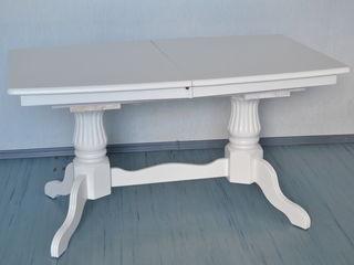 Стол раскладной новый 4150 лей. Белый.