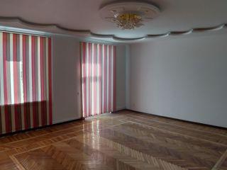 Urgent ap.3-cam. 130m/p, in casa privata, Buiucani, 73000e, Срочно 3-ком. квартиру в частном доме