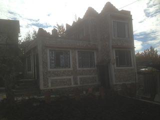 Casa-vilă în sectorul Dumbrava