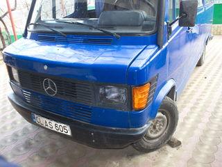 Mercedes -Benz 210D