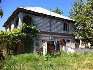 Vind casa, teren in Stauceni!!