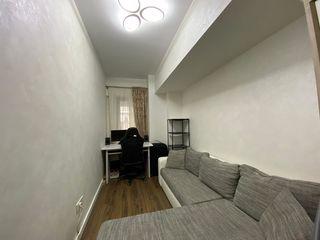 Apartament 3 camere, Iași, Romania