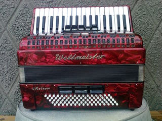 Weltmeister Meteor 80 bass ideal!!