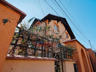 Se vinde casă cu reparație! Gata de trai 270 m2, teren de 6 ari, Cricova