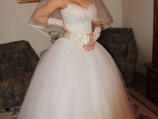 Rochie de mireasa ivory+cadou(fusta de la rochie + pernuta pentru inele).