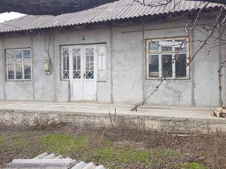 Se vinde casă pe pamânt s. Zorile r-nul Orhei