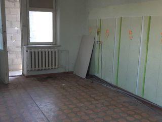 5/5 2-х ком н/п 50 кв, м 6м балкон 15500 евро торг