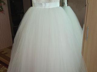 Продаю шикарное свадебное платье в очень хорошем состоянии