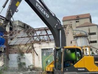 Demolarea si evacuarea constructiilor cu tehnica specializata