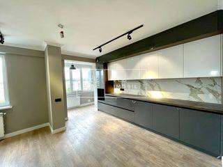 Centru, str. Albișoara, apartament cu 2 camere + living,  81 m.p, 97200€