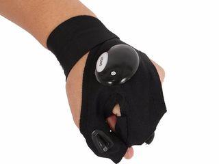 Светодиодная перчатка с подсветкой для ремонта авто, спорта,рыбалки .