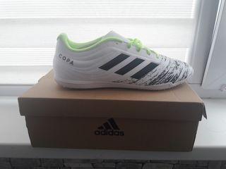 Vind adidas Copa 20.4 pentru fotbal