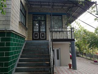 Vind sau schimb casa pe apartament în Chișinău