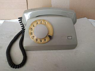 Продаю телефонные аппараты эпохи СССР.