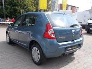 Sandero La pret bun 15 euro/zi Chirie auto