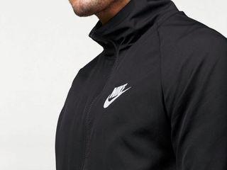 Costum sportiv Nike din Germaniea