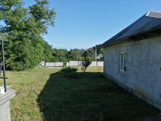 Дом с. Паустова, р. Окница, вода, печка на 3 комнаты, огород 30соток.