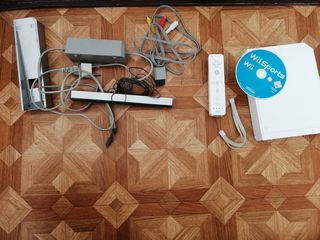 Nintendo Wii, complect - 800 lei