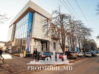 Chirie sp. comercial! M. Eminescu, prima linie, 205 mp, 2400 euro!